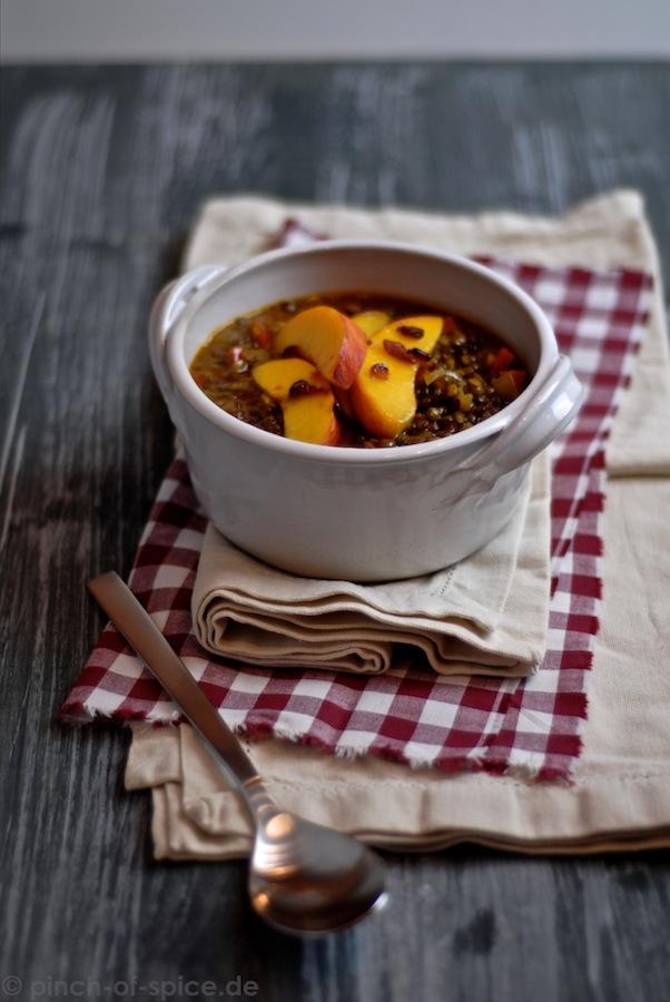 Linsen mit Chili und Pfirsich